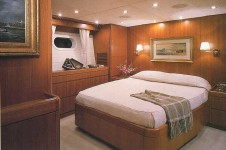Luxury Charter Yacht Gitana - Guest Cabin